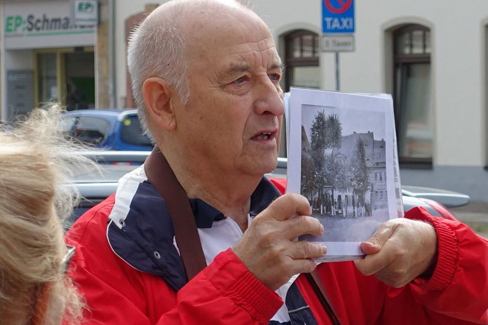 Jürgen Dettmer führte die Interessierten am Montag zweimal zu den Ursprüngen der Stadt.