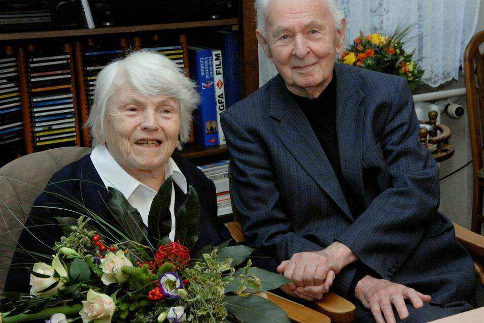 Kirchenmusiker Herbert Gadsch hier bei seinem 70. Ehejubiläum mit seiner Ilse 2007. Da waren beide 93 und 94 Jahre.