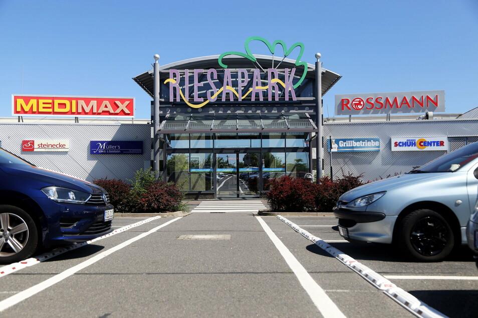 Im Einkaufszentrum Riesapark ist am Wochenende eingebrochen worden.