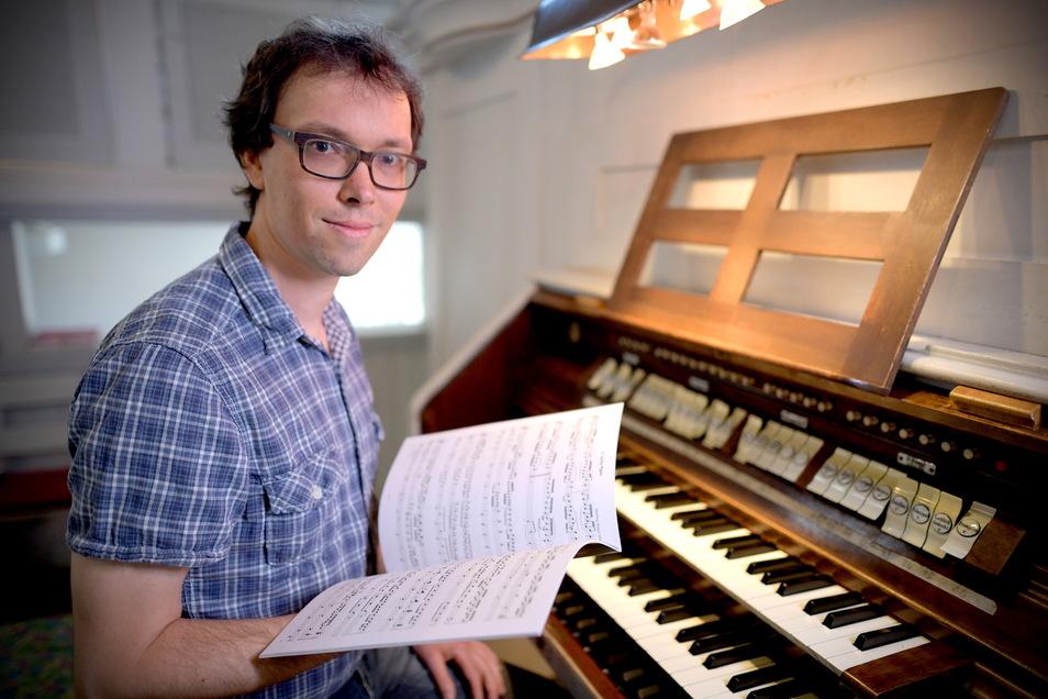 Martin Müller ist der neue Kantor in Oppach und auch für die umliegenden Gemeinden zuständig.
