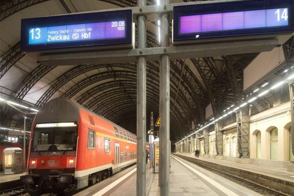 Die Bahnsteige sollen bald umgebaut werden. Dann entsteht auch ein neuer Rettungsweg.