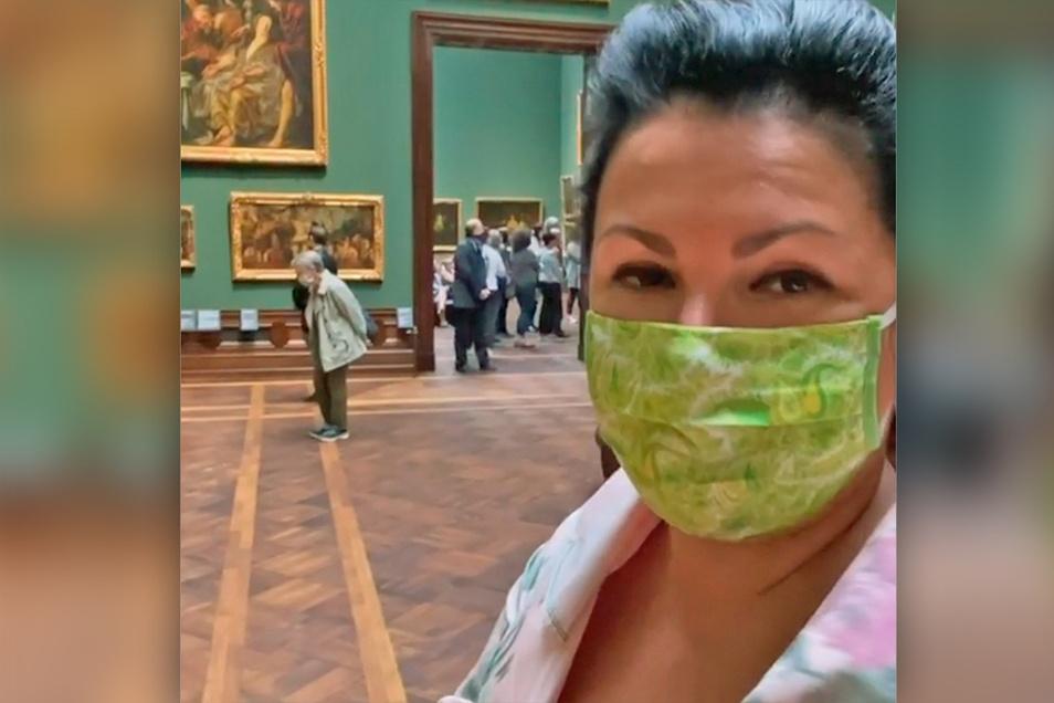 Begeistert von der Dresdner Gemäldegalerie berichtet Anna Netrebko ihren Fans via Instagram von ihrem Besuch im Zwinger.