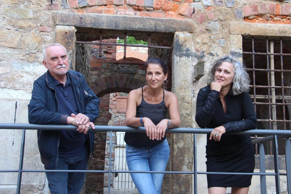 An der Sommerakademie des Bautzener Kunstvereins, die erstmals in der Mönchskirchenruine stattfindet, sind unter anderem Hans Kutschke, Jana Böhme (Mitte) und Barbara Wiesner beteiligt.