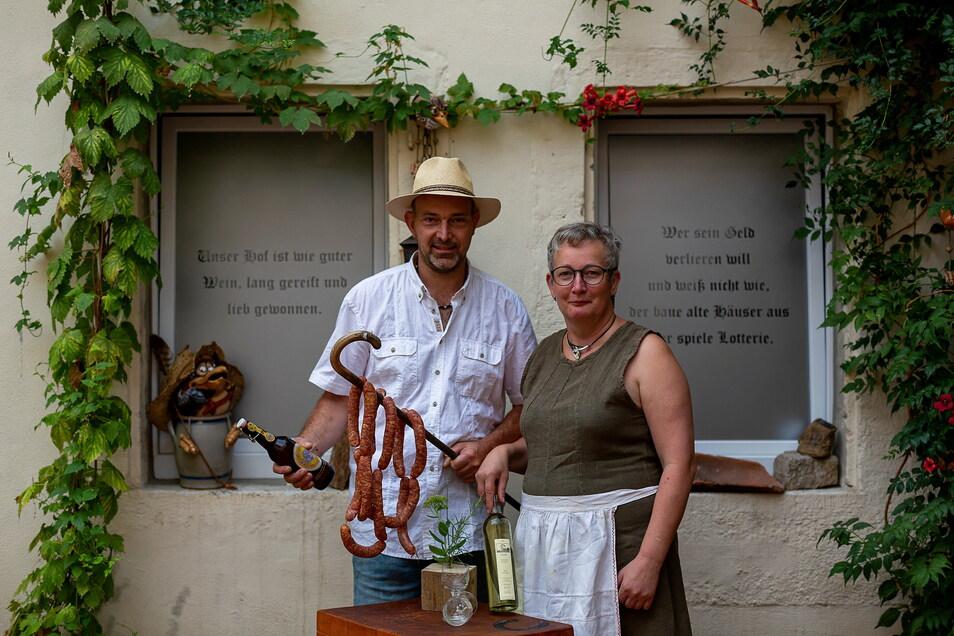Brit und Jörg Roß beteiligten sich an der Wilsdruffer Kneipennacht. Dieses Foto entstand kurz vor dem Fest. 2020 fand die Kneipennacht coronabedingt nicht statt.
