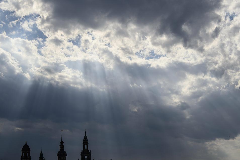 Das Wochenende wird Regen und kühlere Temperaturen nach Sachsen bringen.