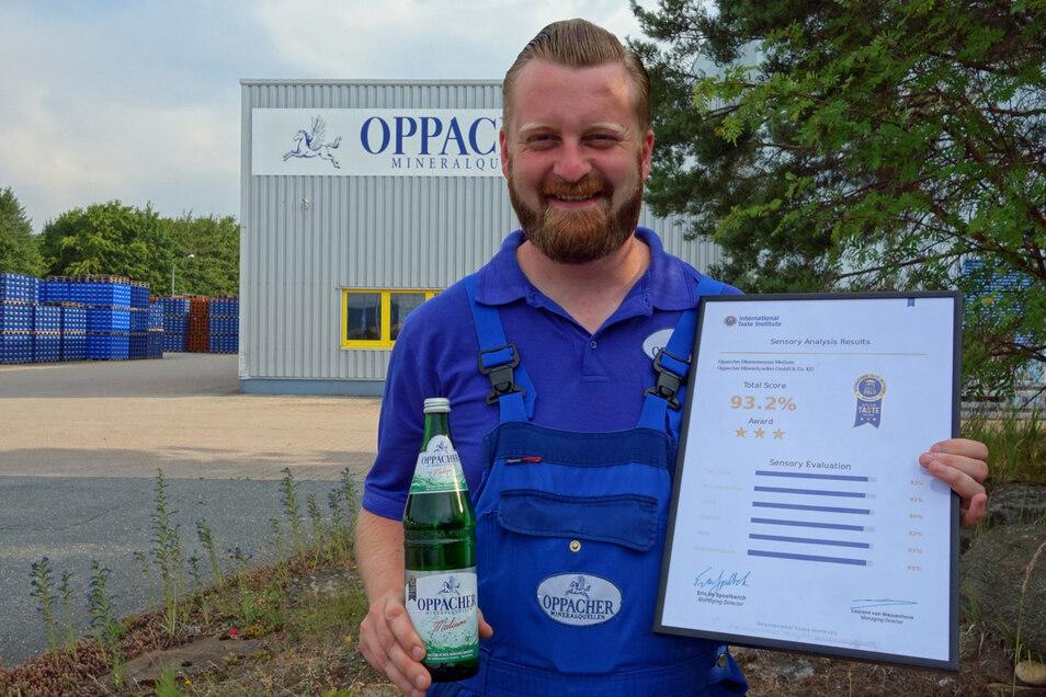 Oppacher Mineralquellen überzeugt mit einem Mineralwasser, das exzellent schmeckt. Produktionsleiter Andreas Knechtel trägt dafür Sorge. Das Familienunternehmen erhält regelmäßig den Superior Taste Award mit Höchstbewertung.