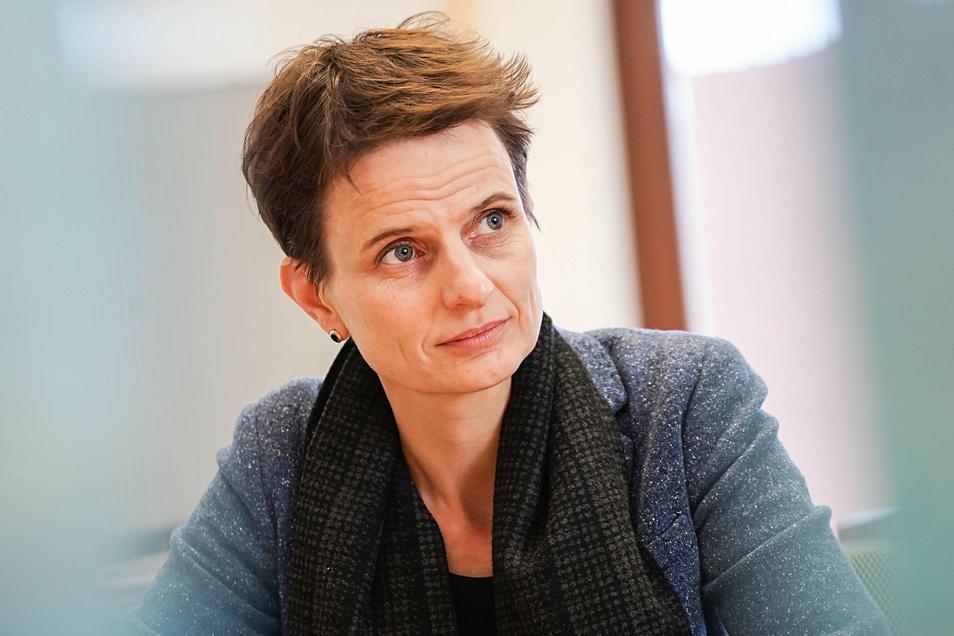 An Bautzens Baubürgermeisterin Juliane Naumann gibt es Kritik aus dem Stadtrat wegen der hohen Kosten für die neue Kita am Schützenplatz. Die SPD hält das für falsch.