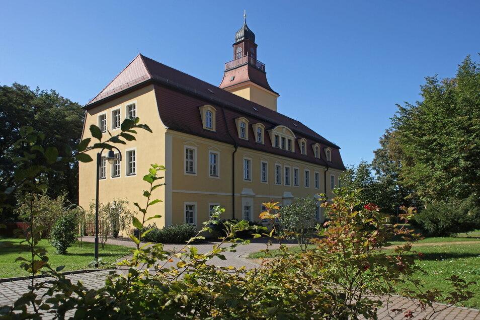Das Schloss gehört zu den Sehenswürdigkeiten von Glaubitz.