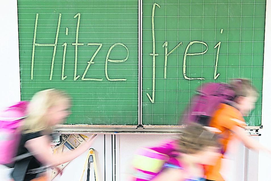 Viele Schulen in der Region haben einen Plan für die heißen Tage. Ganz fällt der Unterricht aber selten aus.
