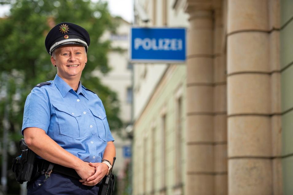 """""""Ich bin ein offener und kontaktfreudiger Mensch"""", sagt Anja Markus, die neue Bürgerpolizistin der Pirnaer Altstadt."""