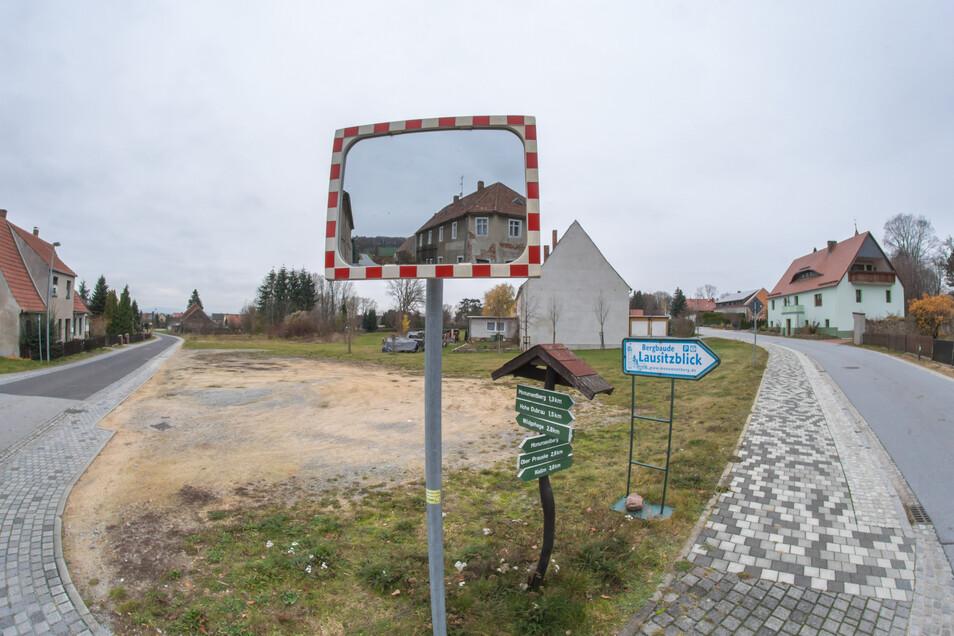 in Platz mit Zukunft in Groß Radisch: Der Martinshof baut einen Dreiseithof für begleitetes Wohnen und die Gemeinde will mit einem Spielplatz der Ortskern aufwerten.