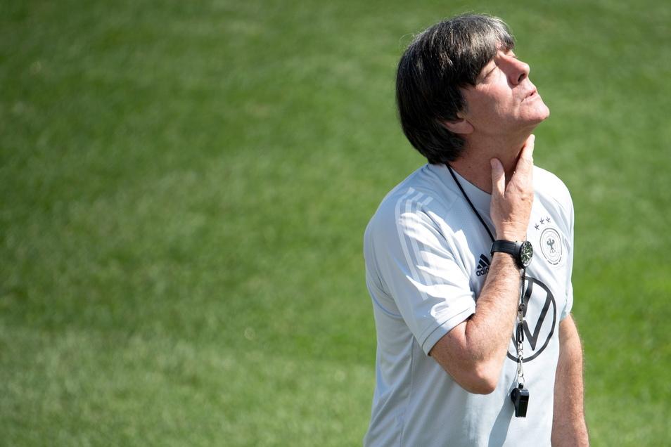 Bundestrainer Joachim Löw gibt sich vor dem Klassiker gegen England nachdenklich.