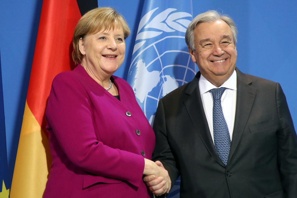 Bundeskanzlerin Angela Merkel (CDU) hat in Absprache mit Antonio Guterres, Generalsekretär der Vereinten Nationen, zu einer Libyen-Konferenz nach Berlin eingeladen.