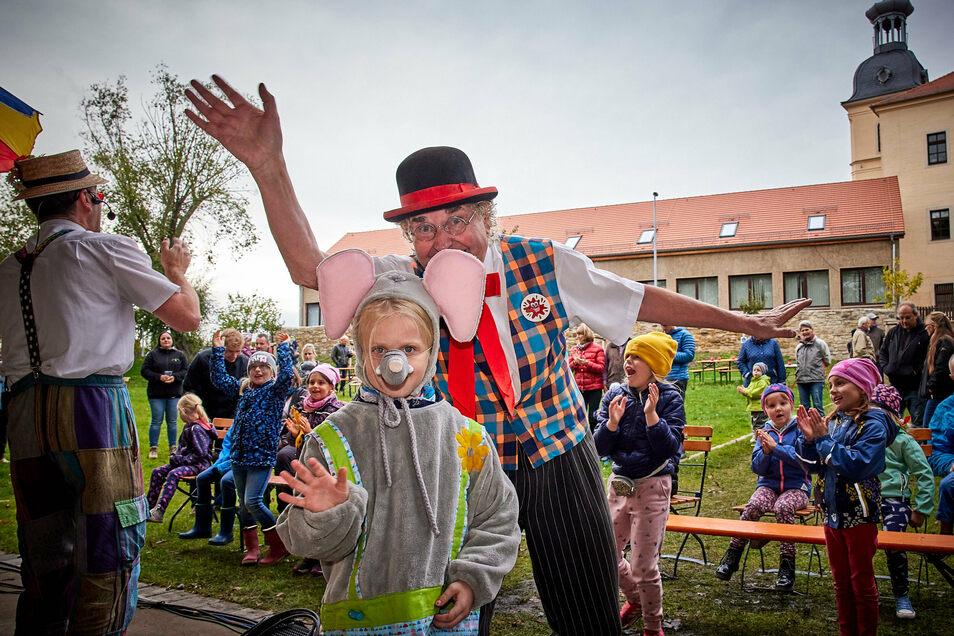 Auch ein buntes Kinderprogramm gab es am Sonnabend zur Eröffnung des sanierten Röhrsdorfer Parks.