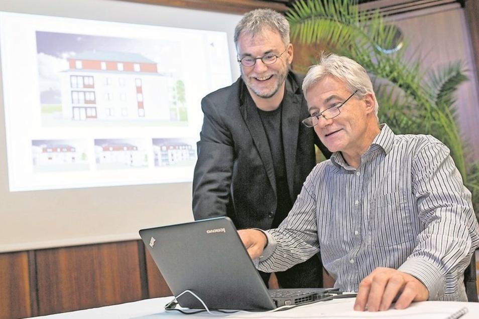 WGF-Chef Uwe Rumberg und sein Vize Michael Heinzig (r.) freuen sich, ein 3,4-Millionen-Euro-Projekt anpacken zu können. Die Neubaupläne für das Gelände an der Oststraße 13 sind vom Aufsichtsrat der städtischen Wohnungsgesellschaft bereits abgesegnet.