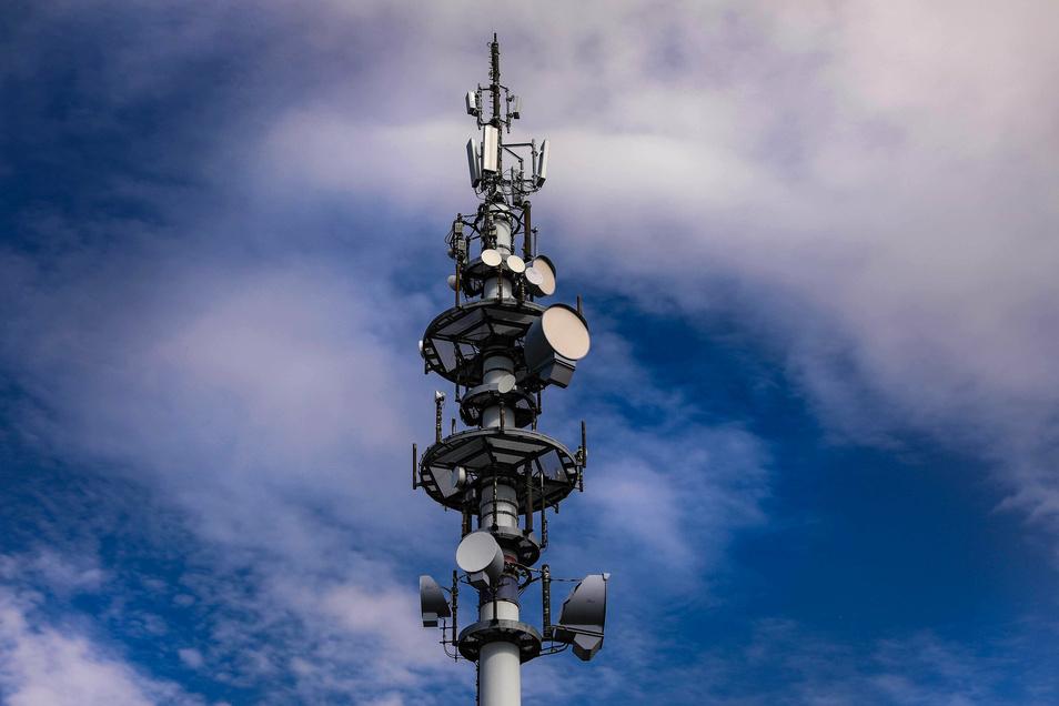 Die neueste Technik für den Mobilfunk - 5G- wurde jetzt auch auf einen Sendemast in Freital installiert.