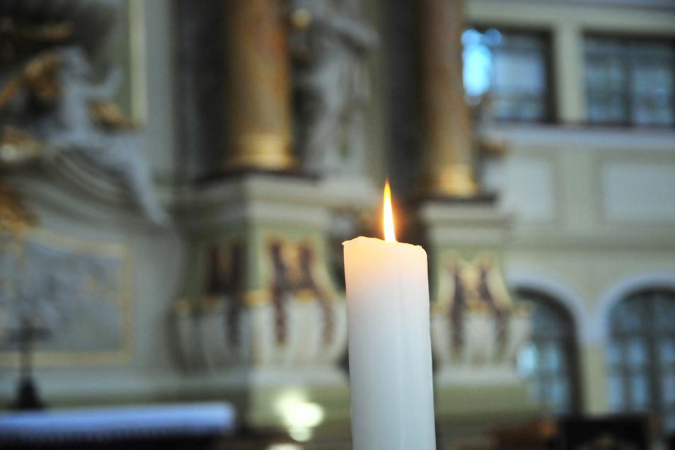 Gottesdienste in der Kirche: Ab Mittwochabend sind sie auch in Großenhain wieder möglich - ohne begrenzte Personenanzahl.