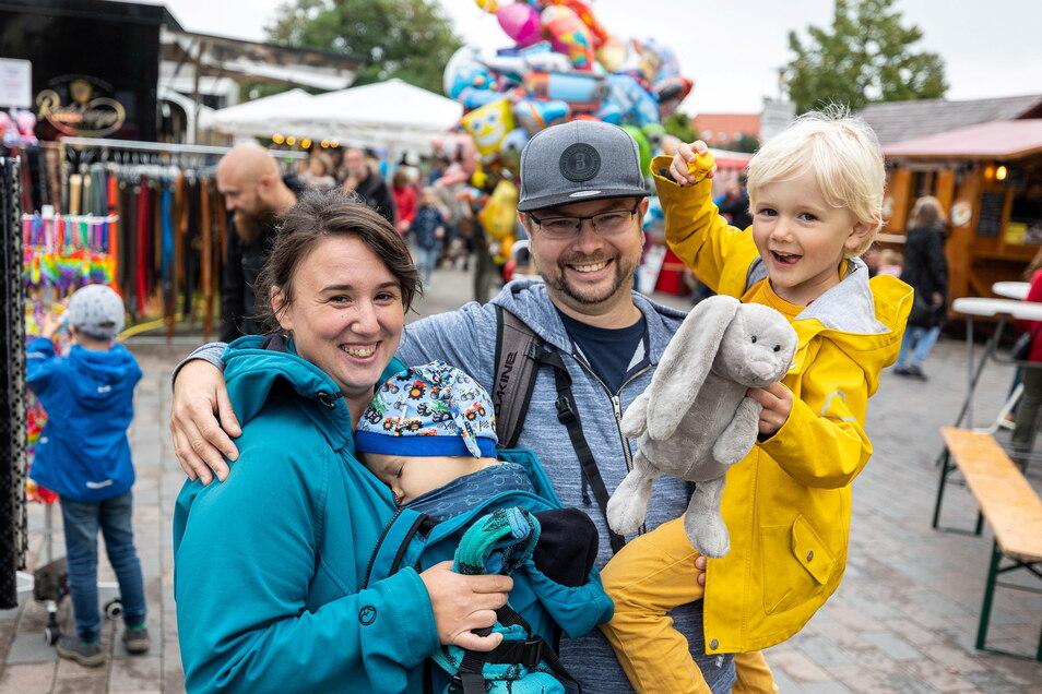 Zu den Besuchern des Weinfestes gehörten auch Melanie Klot und Tilo Mager mit ihren Kindern Jonas und Elias aus Dresden. Sie waren zum ersten Mal da und waren begeistert.