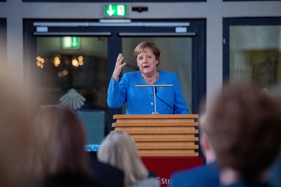 Bundeskanzlerin Angela Merkel (CDU) wird die Vermeer-Schau in der Dresdner Gemäldegalerie eröffnen.