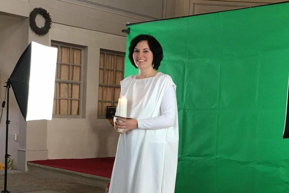 Einer der drei Engel zur Christvesper am Heiligabend in der Kirche in Oßling ist Cornelia Gerber. Sie kommt extra aus Hannover in ihren Heimatort.