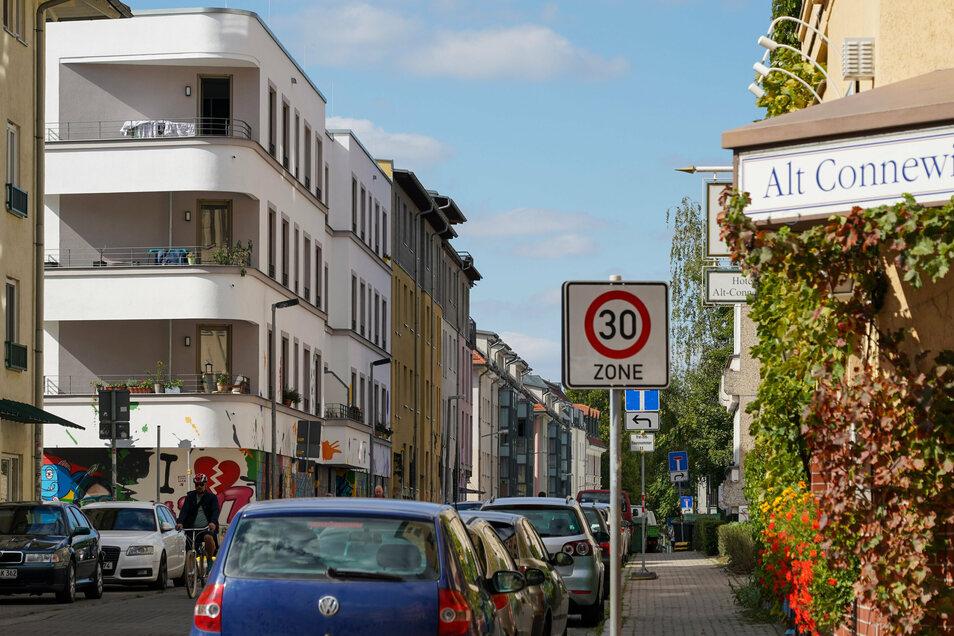 Neben vielen Altbauten gibt es zwischendrin immer mehr Neubauten.