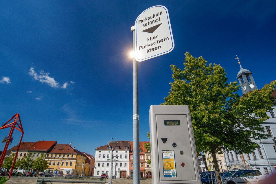 Auf dem Altmarkt bleibt es bei den Parkgebühren. Es ist der einzige Platz in Bischofswerda, wo Kraftfahrer zahlen müssen, wenn sie ihr Auto abstellen.