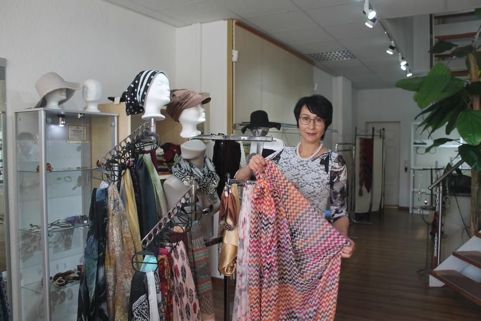 Yelena Bickel will ihre Boutique am Zittauer Markt schließen. Deshalb gibt es nun Rabatte bis 70 Prozent.