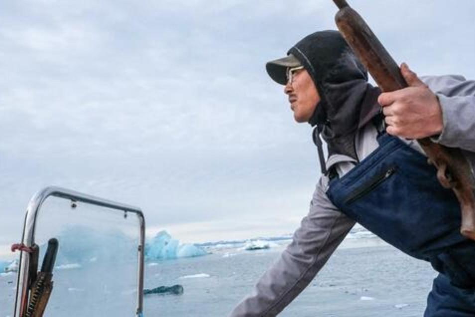 Ole Kristiansen schießt Ringelrobben, er lebt von der Jagd und vom Fischen.