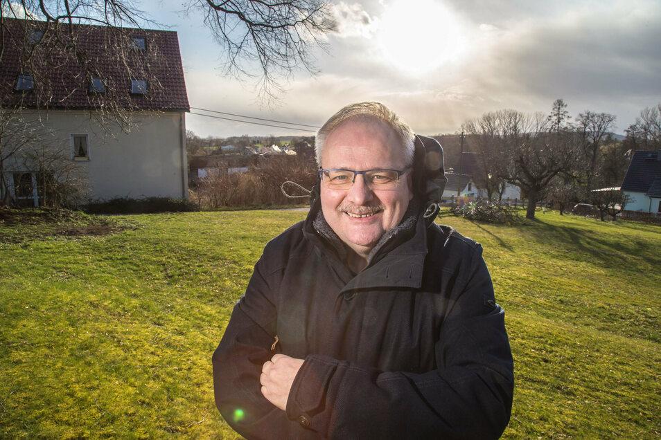 Ewald Ernst hat vor Evelin Bergmann bereits die Gemeinde Neißeaue geführt. Jetzt kandidiert der Schöpstaler erneut für das Bürgermeisteramt.