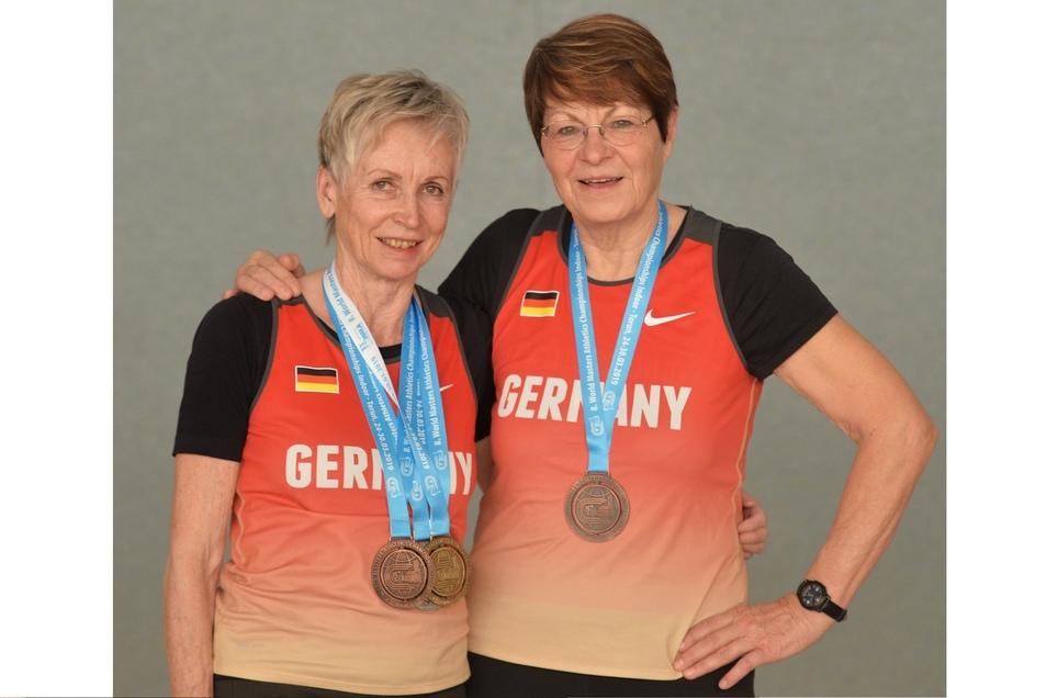 Goldige Omas: Kristina Hanke (l.) und Brigitte Bonadt.