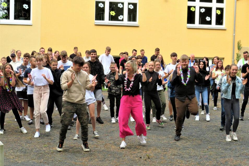 Dieser Tanz und die Ergebnisse der Challenge werden wohl in die Geschichte der Schulchronik eingehen.