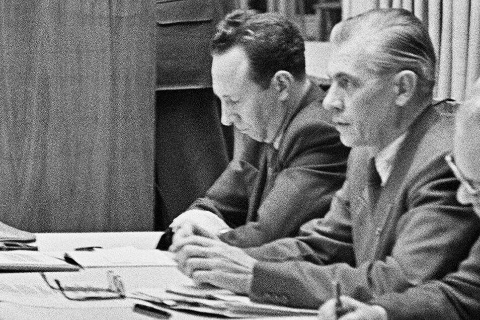 Fred Larondelle (l.) bei einer Sitzung im Rathaus Dresden.