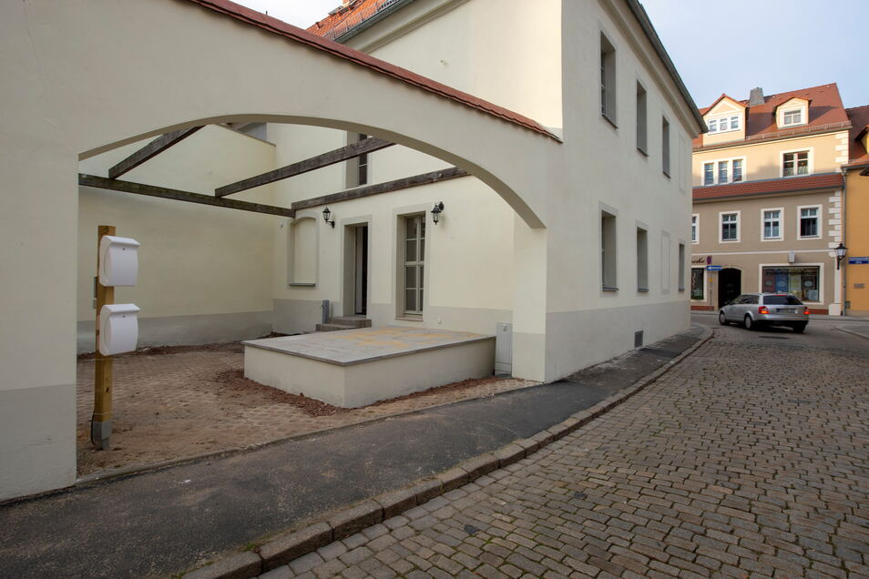 """Das sanierte Denkmalhaus am Neumarkt 12 Ecke Kirchplatz. Hier war früher die Gaststätte """"Zur Börse""""."""