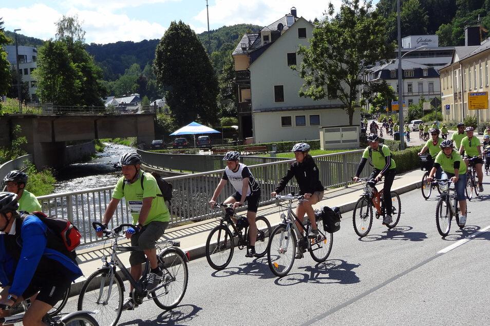 Viele Anwohner werden sich von daran erinnern. Fast genau vor sieben Jahren gab es ein Fahrradkorso von Lauenstein nach Heidenau.