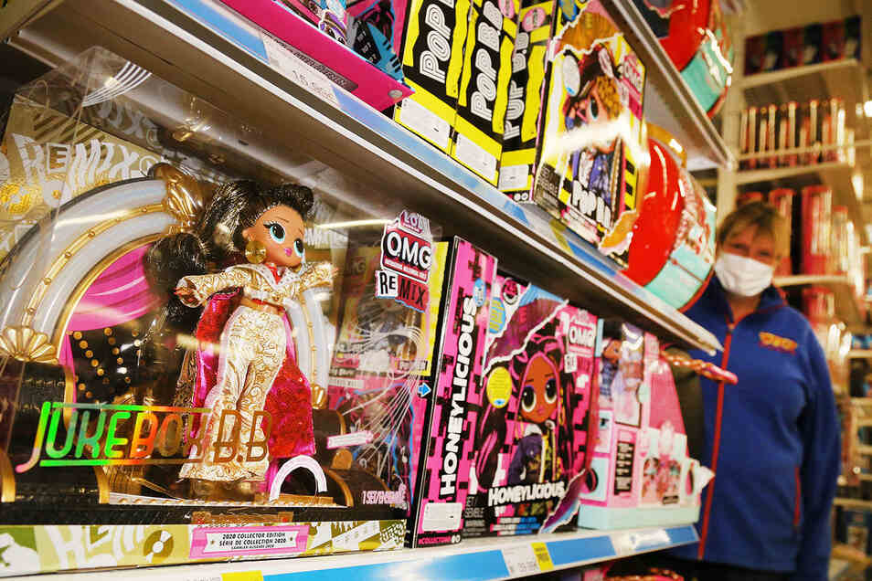 L.O.L. Surprise Puppen verbindet Spannung, Spiel und Sammelleidenschaft. Zu haben sind die Überraschungspuppen bei Smyths Toys.