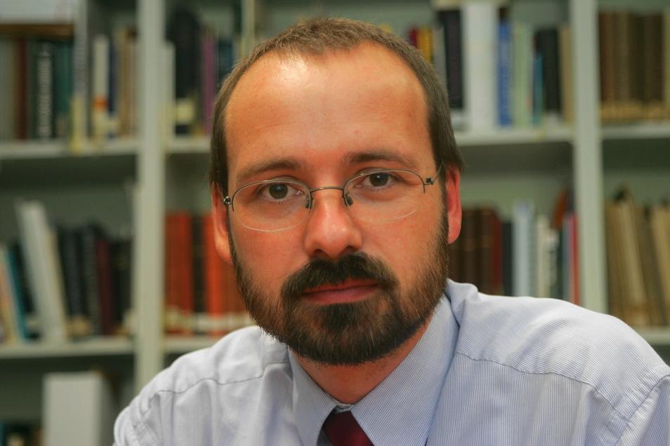 Der Sektenbeauftragte der evangelisch-lutherischen Landeskirche Sachsen, Harald Lamprecht, hält die OCG für eine radikale und gefährliche Sekte.