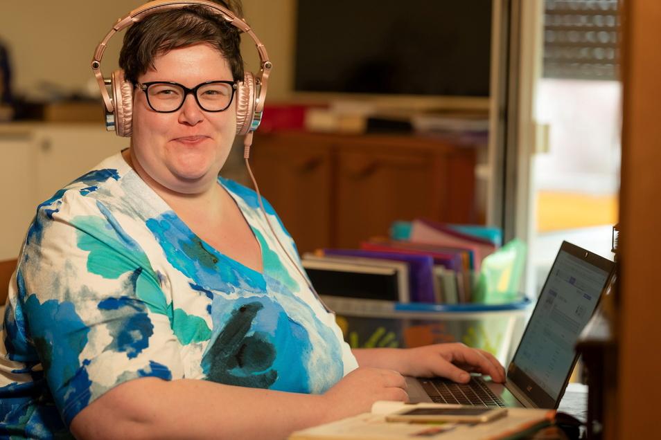 Elisabeth Thoß hat an der Oberschule in Kodersdorf eine eigene Klasse, die sie vorwiegend online unterrichtet.