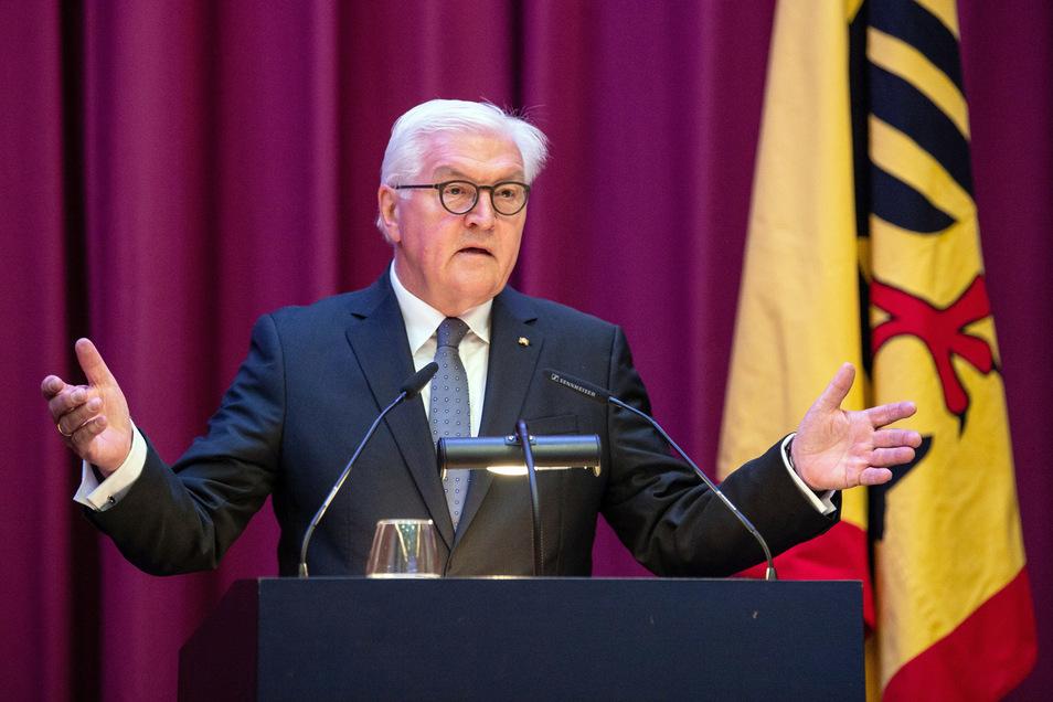 """Bundespräsident Frank-Walter Steinmeier spricht beim Empfang zu """"100 Jahre Volksbund""""."""