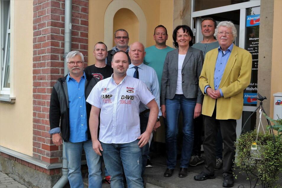 Die gewählten Löbauer AfD-Vertreter im Stadtrat - hier noch mit Robért Haupt (ganz vorn) nach der jüngsten Kommunalwahl.