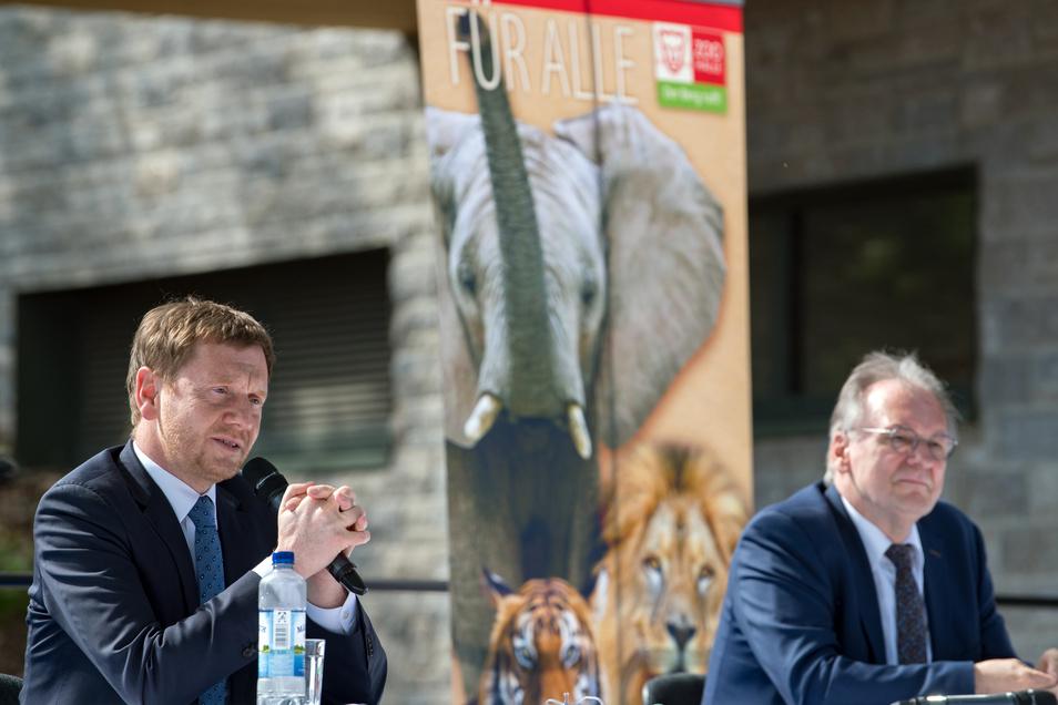Sachsen-Anhalts Ministerpräsident Reiner Haseloff (CDU, r.) ist der große Gewinner der Landtagswahl in seinem Bundesland. Was wird sich sein sächsischer Amtskollege Michael Kretschmer von seiner Strategie abschauen?