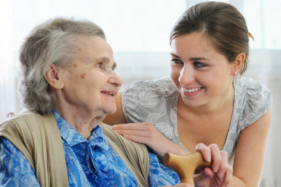 Ehrliche Zuwendung und Interesse für die Bedürfnisse der Patienten sind Grundvoraussetzung für professionelle Pflege.