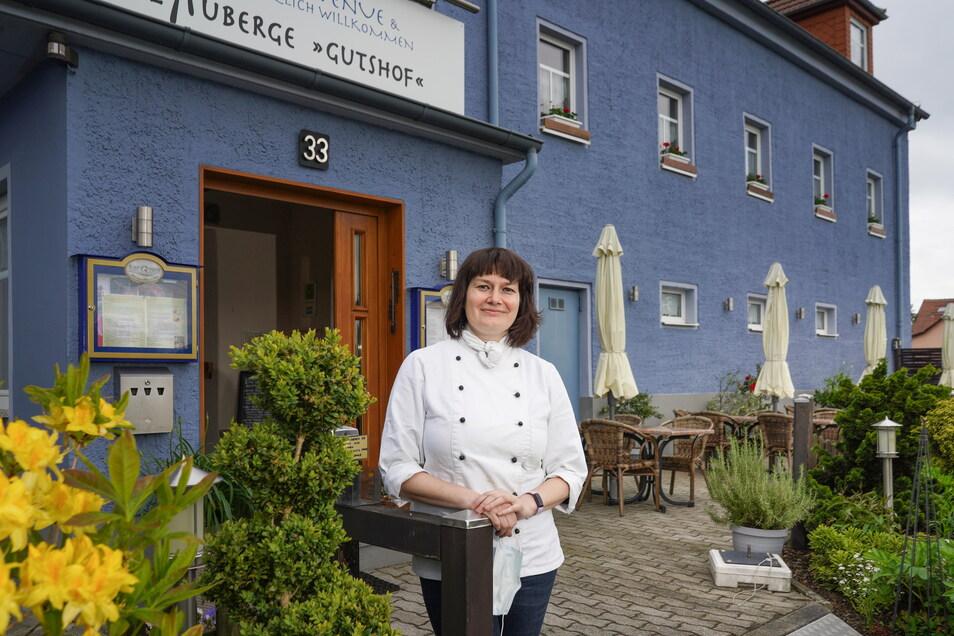 Flammkuchen, Spargel und XXL-Burger gibt's bei Tina Weßollek im L'Auberge in Bischofswerda-Belmsdorf.