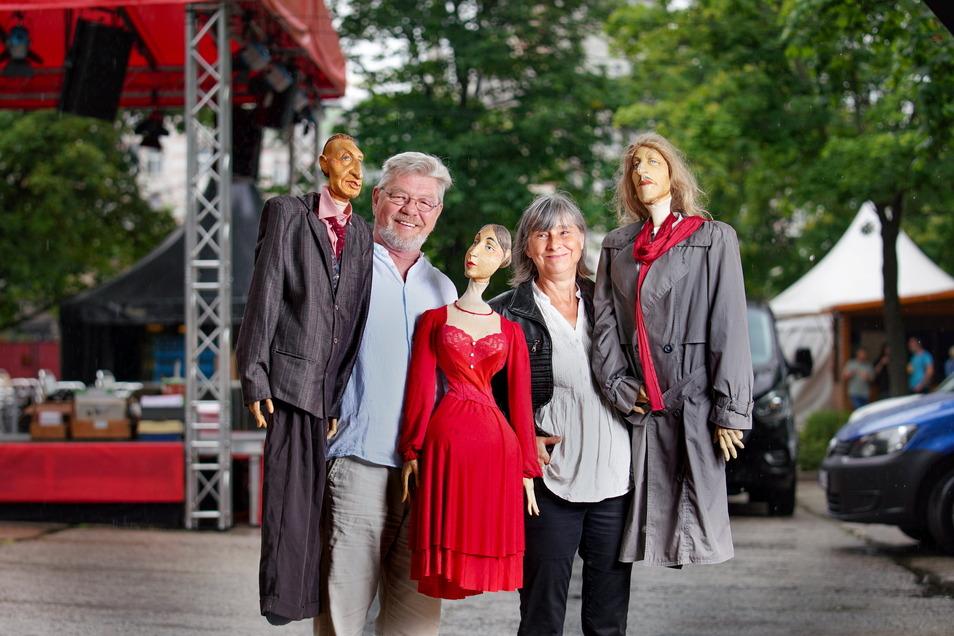 """Randi und Grigorij Kästner-Kubsch bringen auch ein Puppenstück für Erwachsene mit in den Sommergarten: """"Spanische Sommernacht mit Don Juan"""" am 6. August, 19.30 Uhr."""