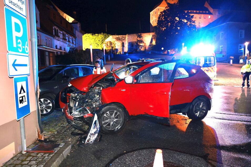 Verkehrsunfall im Juli 2021 in Hohnstein (Symbolfoto): Bei nahezu jedem fünften Unfall verschwindet der Verursacher unerlaubt vom Unfallort.