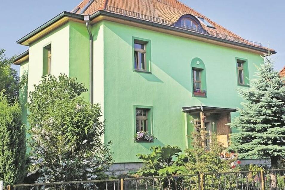 Ein heller Grünton gefiel offenbar dem Besitzer dieses Hauses an der Badstraße.
