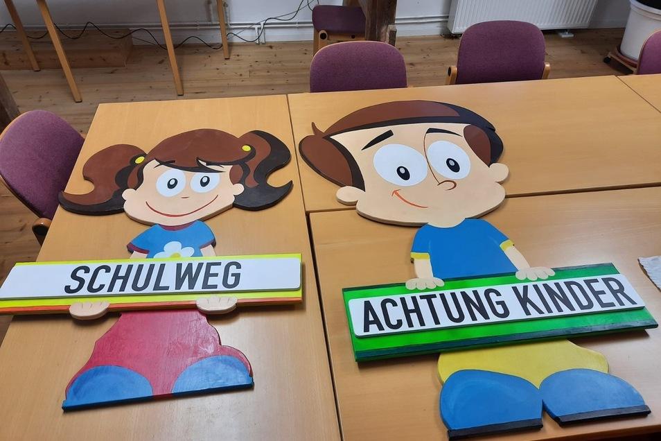 Diese beiden sind Wilma und Ulli, die als Lebensgroße Aufsteller vor den Bannewitzer Grundschulen ihren Platz finden werden.