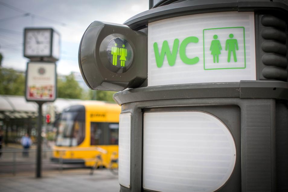 Auch diese Toilette am Pirnaischen Platz in Dresden soll nicht weiterbetrieben werden.