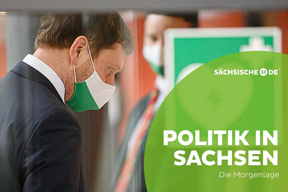 Sachsens Ministerpräsident Michael Kretschmer am Donnerstag im Landtag. Sein Kabinett hat sich offenbar auf Eckpunkte der neuen Corona-Schutzverordnung geeinigt.