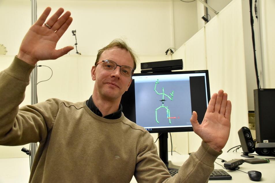 HTW-Professor Markus Wacker und sein Team wollen mit ihren Entwicklungen vor allem in der Therapie helfen. Dafür erschaffen sie Bewegungen am Computer neu.