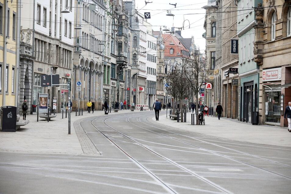 Städte wie Erfurt sind besonders auf privaten Konsum angewiesen. Weil der im Lockdown schwer funktioniert, leiden Großstädte besonders in der Corona-Pandemie.